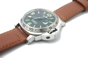 Luminor Panerai: Automatic